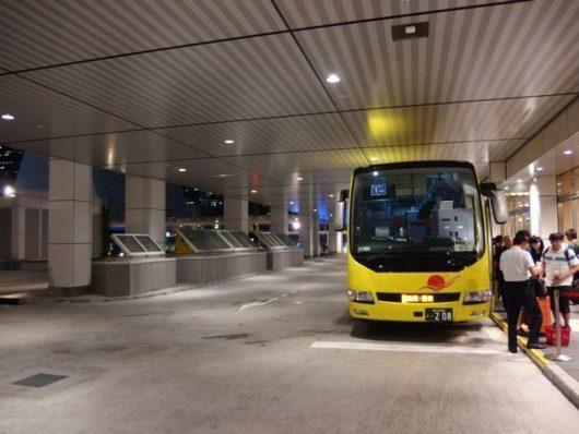 バスタに到着したバス